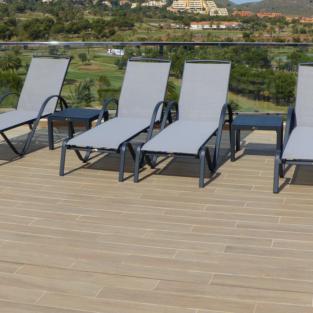 4 tumbonas valencia con 2 mesas auxiliares valencia for Rebajas muebles de jardin